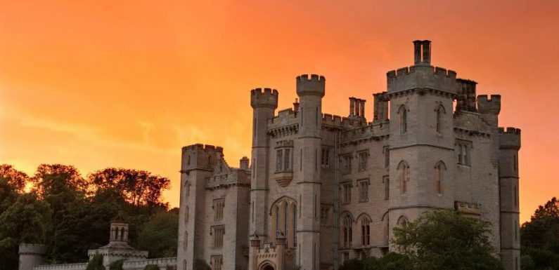 Woah, You (And 20 Of Your Best Friends) Can Win This HomeAway Castle For A Week